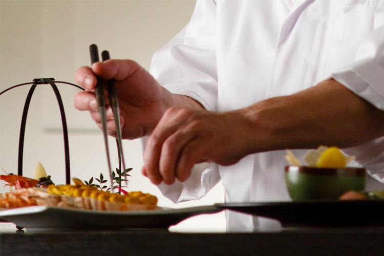 日本料理「ぎん」がご提供する、格調高い懐石料理